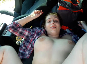 Gf has fuckfest in the back seat