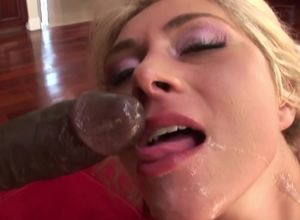 Fabulous platinum-blonde fuckslut gets..