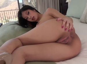 Super-naughty asina honey with huge..
